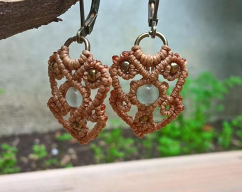 Macrame Earrings light brown with aventurine