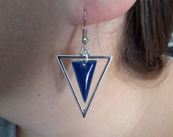 Triangle and blue enameled sequin earrings Navy sides