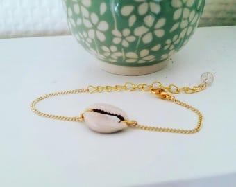 Shell gold chain bracelet