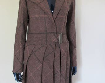 Lined coat in wool & cashmere pink and gray.