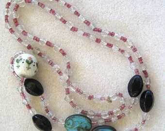 Art Deco Glass Crystal and Decorative Bead Necklace