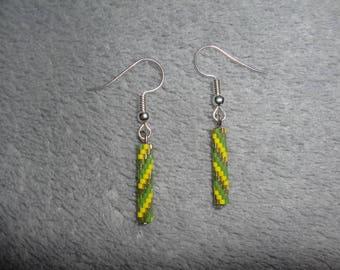 Boucles d'oreilles tube /  tube miyuki / boucles d'oreilles miyuki / couleurs brésil / vert jaune  / crochets d'oreilles / Bijoux.