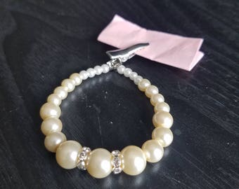 Pearl Crescendo with Curved Crystals