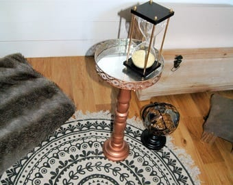 End table / tray on foot