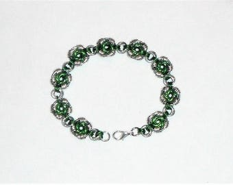 LOVELY Swirls Weave Chain Maille Bracelet Kelly Green