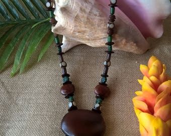 Handmade ethnic necklace with natural material