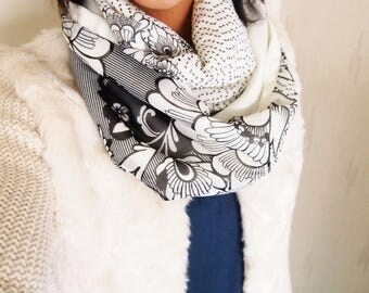 Snood collar double twist, midseason, floral patterns, minimalist, graphic and original