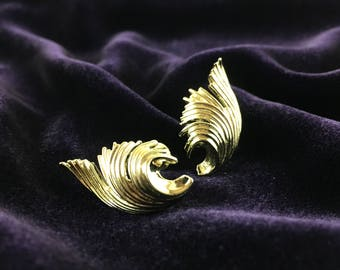 Vintage Lisner Mid-Century Abstract Golden Leaf Statement Screw-back Earrings | Collectors Item