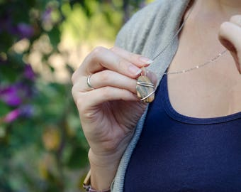 Clam Shell Necklace Pendant | Silver Detail