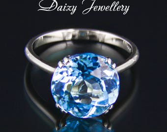 THE SNOW QUEEN. 5.45 ct Swiss blue topaz gold ring. Free shipping.