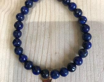 Pearl and lapis lazuli charms bracelet