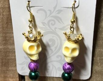 Sugar skull with crown earrings