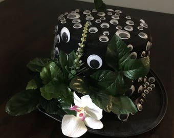 Unique Top Hat with Moving Eyes