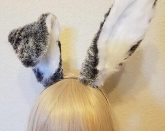 Realistic rabbit ears