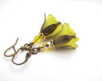 Yellow Trumpet Flower Dangle Earrings Lemon Yellow Drop Woodland Fairy Boho Bohemian Antiqued Brass French Hook USA Hawaiian Jewelry