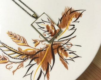 Brown Leaf Broken Dishware Necklace