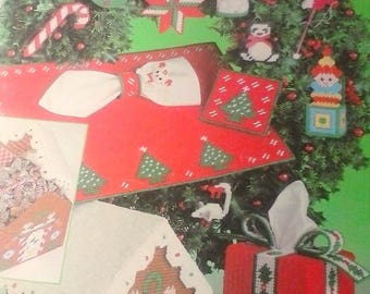 More Christmas Projects for Plastic Canvas, Leisure Arts 194
