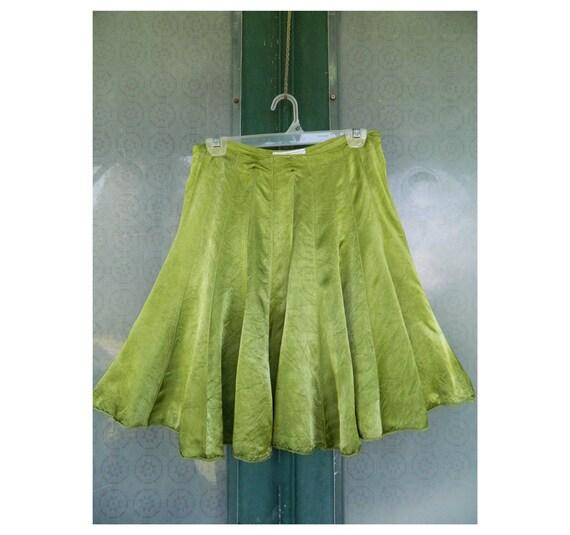 Swingy Satin Skirt -2- Leaf Green Rayon