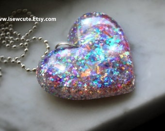 Pastel Rainbow Opalescent Glitter Resin Pendant, Fairy Heart Jewelry, Pastel Lavender Glitter Resin Pendant, Resin Bijoux by isewcute