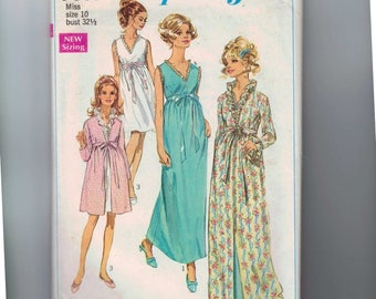 1960s Vintage Dress Pattern Simplicity 7957 Misses Robe and Nightgown in Two Lengths Size 10 Bust 32 1/2 1968 60s