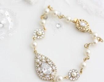 Gold wedding Bracelet Crystal Teardrop Bridal Bracelet Cubic Zirconia Wedding Jewellery VIVIENNE