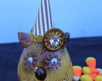 Vintage Style Halloween - Ceramic Star Google Eye Owl Figure with Witch Hat. Striped Hat