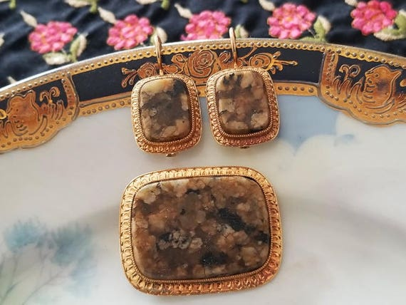 Antique Edwardian 14k gold brown agate hardstone demi parure set brooch pin and pierced locking kidney wire earrings