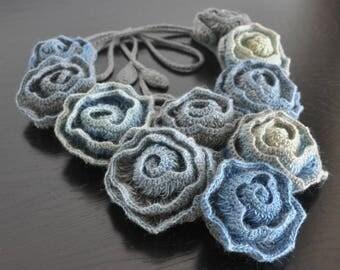 Diana - Winter - Crochet Multicolor Rose Bib Necklace