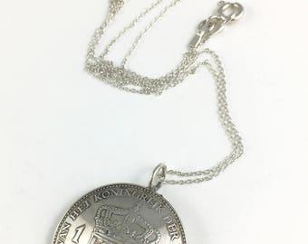 Queen Wilhelmina Koningin, Netherlands History, Netherlands Royal Family, Netherlands Coin, Netherlands Necklace, Spoon Necklace, Wife Gift