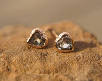 rose gold studs//gold heart stud//valentine heart earrings//rose gold heart studs//18k rose gold earrings//topaz earrings//18k gold stud