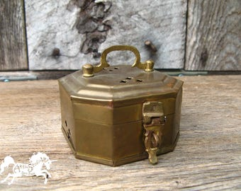 BRASS TRINKET BOX 3 Inches Long 2 Inches Tall with Keyhole Cross Pattern, Latched Lid & Handle, Vintage Little Container Cricket Cage India