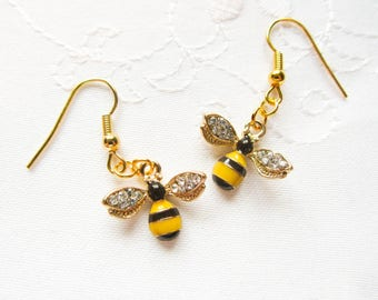 Pretty Bee Charm Earrings / Bee Earrings / Bumblebee Earrings / Cute Earrings / Gold / Earrings