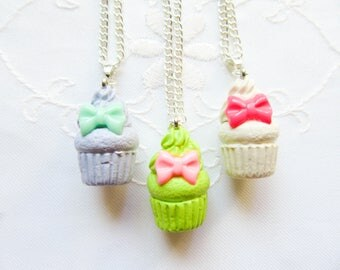 Bow Cupcake Necklace / Cupcake / Food Necklace / Cute Necklace / Polymer Clay / Charm Necklace / Sweet Lolita