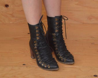 Victorian Style Western Black Leather Boots With Unique Lace Up Front SZ 8.5 / 9