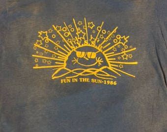 Vintage 80's Fun in the Sun 1986 paper thin t shirt size M