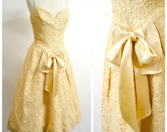 1950s Cream lace & satin bow party dress / 50s boned full skirt evening dress - S