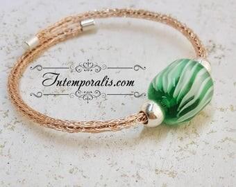 Bracelet tissé et perle en verre de Murano vert filée au chalumeau, OOAK, SABRVI10