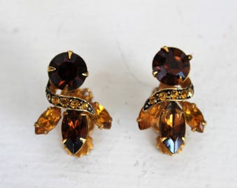 Vintage 1950s 1960s Amber Topaz Earrings / Clip On Back / Brown Glass / Earring Pair / Vintage Jewelry / Gold
