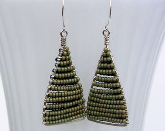 Silver Beaded Triangle Earrings Geometric Green Two Tone Dangles Hammered Wire Jewelry Silver Frame Earrings Silver Hoop Dangles