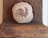 Primitive cross stitch Brown Spotted Hen round mini fluted edge tin tart pinkeep folk art handmade