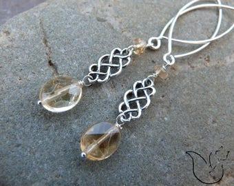 Boucles longues crochets argent noeud celtique et pierre citrine facettée