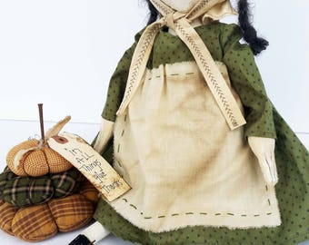 Primitive Clara Doll/Easter Gift for Her / Art Dolls / Primitive Decor / Gifts For Mom / Prims Magazine /  Collectible Gifts / Pincushion