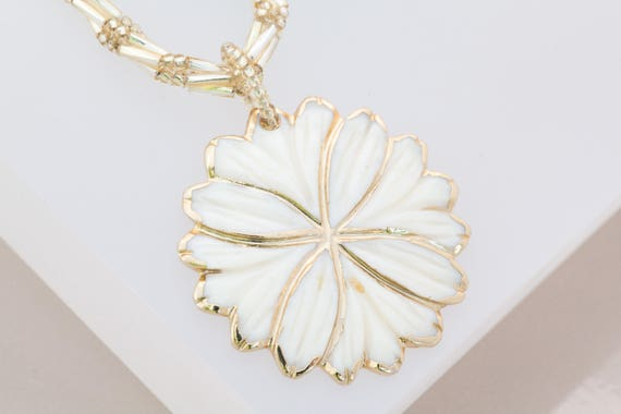 Gold Flower Necklace, White Mother of Pearl Necklace, Gold Bead Necklace, Flower Pendant Necklace, Mother of the Bride, Anniversary Gift