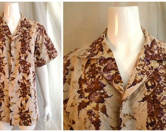 Vintage 1950s Hawaiian Shirt Cotton Floral Print Royal Hawaiian Label Medium