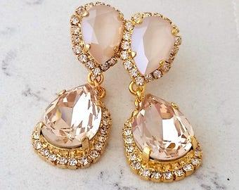 Bridal earrings,Ivory cream blush earrings,champagne chandelier earrings,Wedding earrings,Bridal earrings,Vintage earrings,Swarovski earring