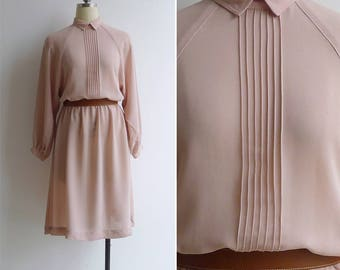 10-25% OFF Code In Shop - Vintage 80's 'Powder Pink' Pintuck Pointed Collar Dress M