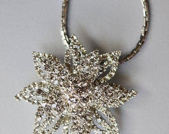 Retro 90s Clear Crystal Accented Star Brooch Pendant Necklace Charm, silver tone metal