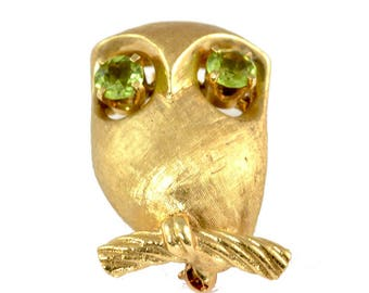 Vintage 14k Yellow Gold Owl Pin or Brooch with Peridot Eyes