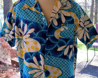 Men's Vintage Authentic Hawaiian shirt- Blue/White/Yellow- MADE IN HAWAII-size L