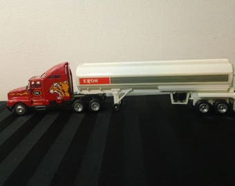 Vintage 90s Road Tough diecast Road Rig Deluxe Kenworth T600A Exxon Oil Tanker Truck & Trailer Toy